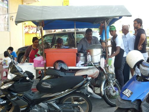 Cendol stall behind old Courts Mammoth building